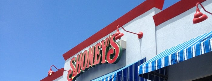 Shoney's is one of Lieux qui ont plu à DaByrdman33.
