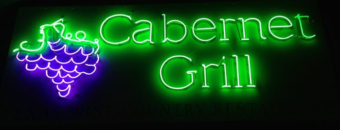 Cabernet Grill is one of Locais curtidos por KATIE.