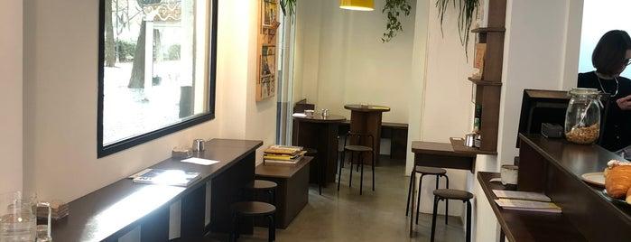 Los Picos Café is one of Valencia.