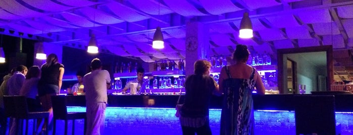 +18 Lounge bar is one of Tempat yang Disukai Irina.