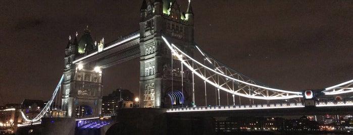 Tower Bridge is one of Orte, die Petra gefallen.