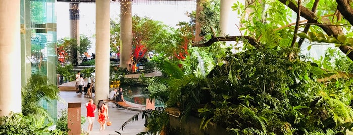 Quartier Water Garden is one of Rob & Bec Visit Bangkok.