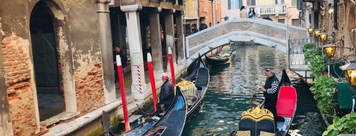 Ponte della Canonica is one of Lugares favoritos de Em.
