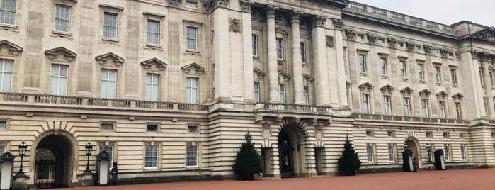 Buckingham Palace is one of Orte, die Petra gefallen.