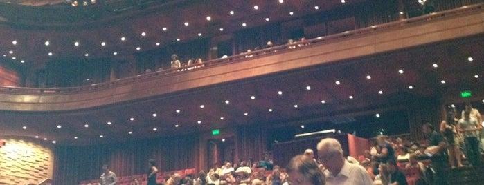 Teatro Bradesco is one of Orte, die Erika gefallen.