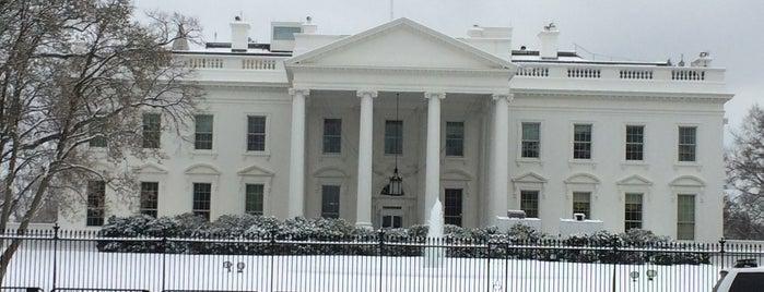 Weißes Haus is one of Orte, die Erika gefallen.