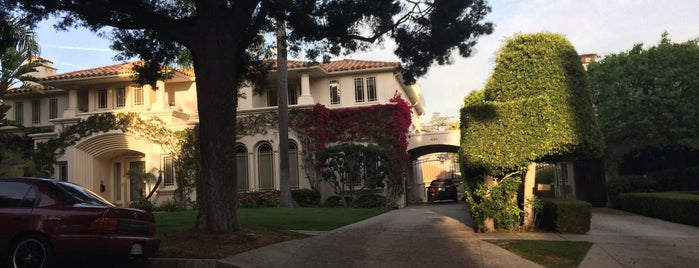 City of Beverly Hills is one of Lugares favoritos de Erika.