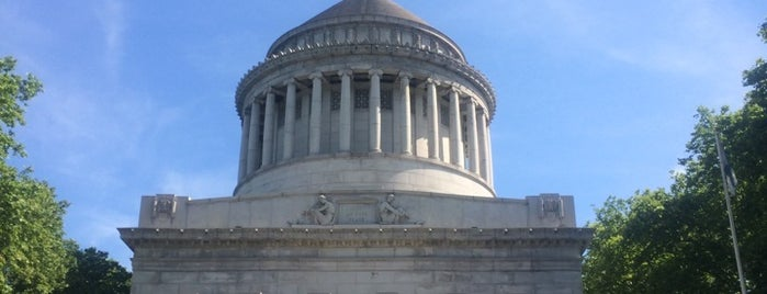 General Grant National Memorial is one of Lugares favoritos de Erika.