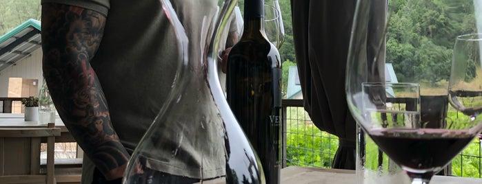 Venge Vineyards is one of Tempat yang Disimpan Izac.