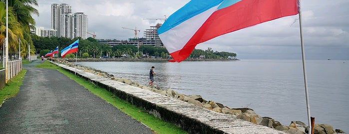 Tanjung Lipat is one of Lieux qui ont plu à Sabrina Goh.
