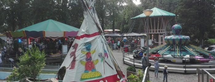 Familiepretpark De Waarbeek is one of Lugares favoritos de Bram.