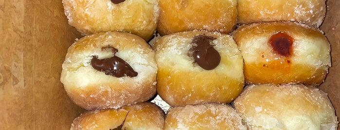 Yummybunz is one of Locais salvos de Sara.