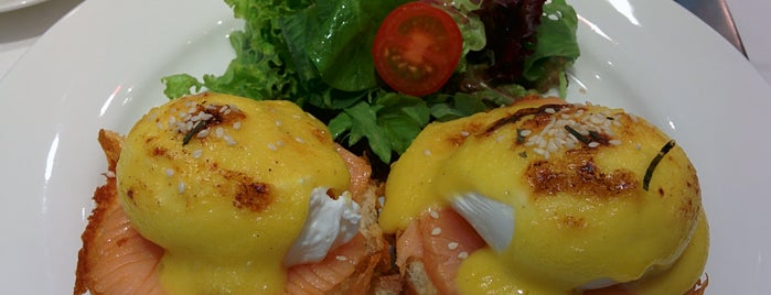 TWG Tea Salon & Boutique is one of Top Eggs Benedict in Jakarta.