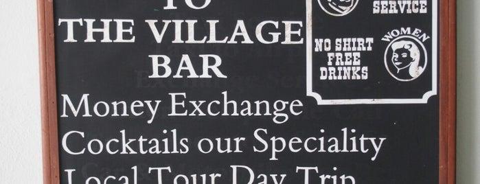 The Village Bar & Restaurant is one of Jessica'nın Beğendiği Mekanlar.