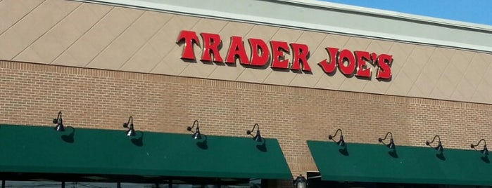 Trader Joe's is one of Lieux sauvegardés par Stuart.