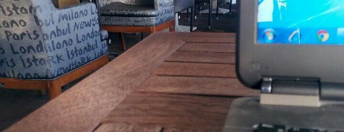 Sahil Cafe is one of Tempat yang Disukai Ertan.