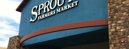 Sprouts Farmers Market is one of Posti che sono piaciuti a Heather.