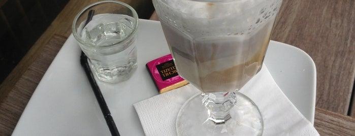 La Caféothèque de Paris is one of Paris // Tea, Cake, Coffee & More.