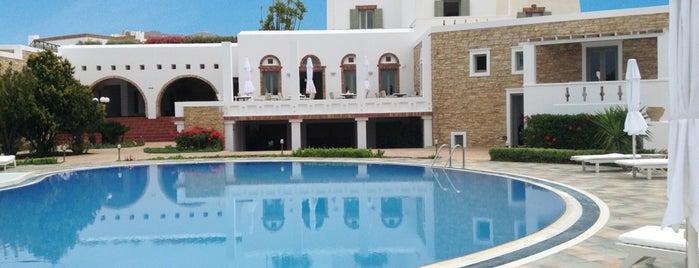 Porto Naxos Hotel is one of Lieux sauvegardés par Πάνος.
