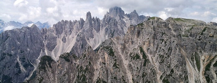 Dolomite Alpes is one of Lugares favoritos de Gianluca.