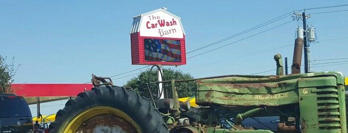 The car Wash barn is one of Lugares favoritos de Eison.