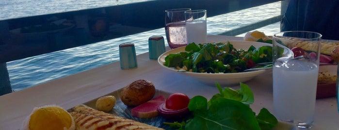Kayıkhane Restaurant is one of Posti che sono piaciuti a Hikmet.