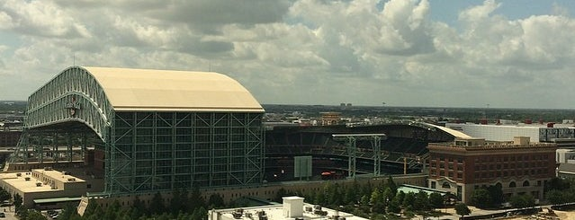 Minute Maid Park is one of Sporting Venues....