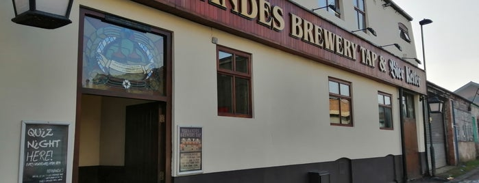 Fernandes Brewery Tap and Bier Keller is one of Locais curtidos por Carl.