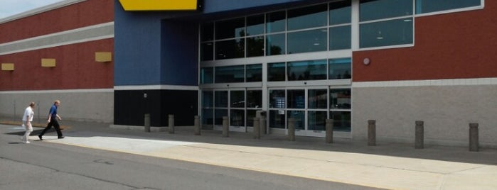 Best Buy is one of Tony's Liked Places.