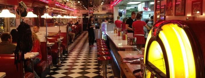 Starlite Diner is one of Москва.