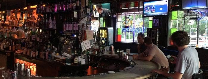 7B Horseshoe Bar aka Vazacs is one of Orte, die Marco gefallen.