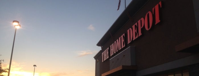 The Home Depot is one of Lieux qui ont plu à Alan.