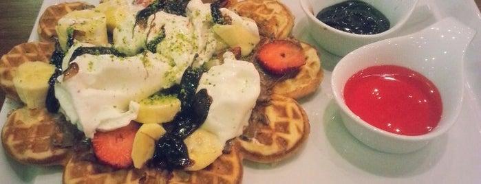 Dako'S Cafe Restaurant is one of Funda'nın Beğendiği Mekanlar.