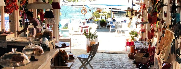 Ceri Cafe is one of Bozburun-selimiye.