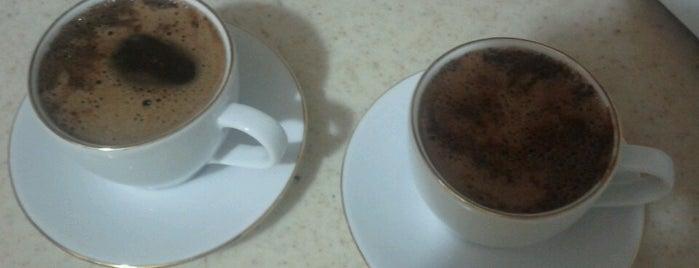 Mahalle Kahvesi is one of mekanlarım.