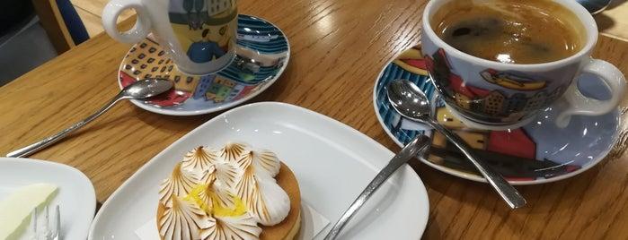 UMAM Marina Cafe is one of Person 님이 좋아한 장소.