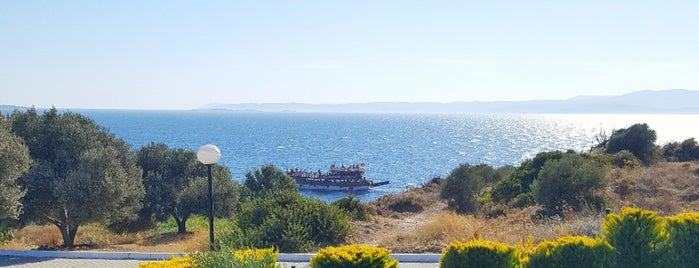 Çeşme Su Sitesi is one of Zuhalさんのお気に入りスポット.