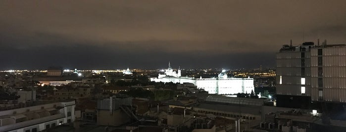 Dear Hotel Roof Top is one of Madrid.
