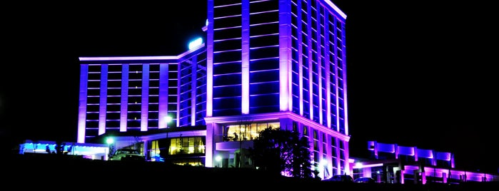 Grand Altuntaş Hotel is one of Oteller.