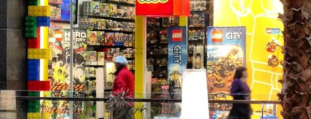 LEGO Store is one of Por ai... em Santiago (Chile).