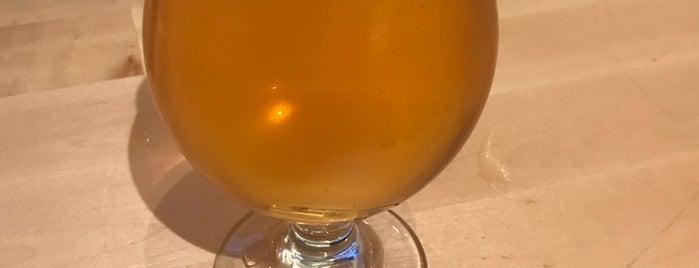 Half Full Brewery is one of Lugares favoritos de Karl.