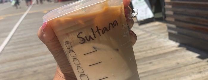 Starbucks is one of สถานที่ที่ David ถูกใจ.