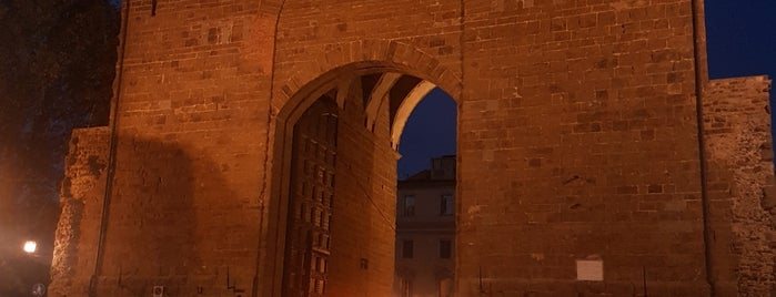 Porta San Frediano is one of Trips / Tuscany and Lake Garda.