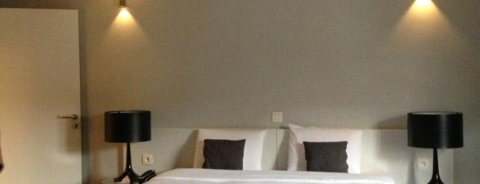 Hotel Retro is one of placestobe.