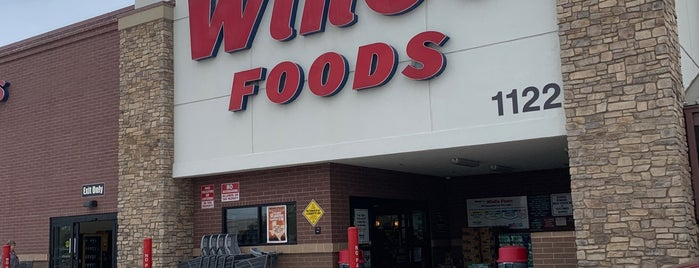 Winco Foods is one of Crawfordさんのお気に入りスポット.