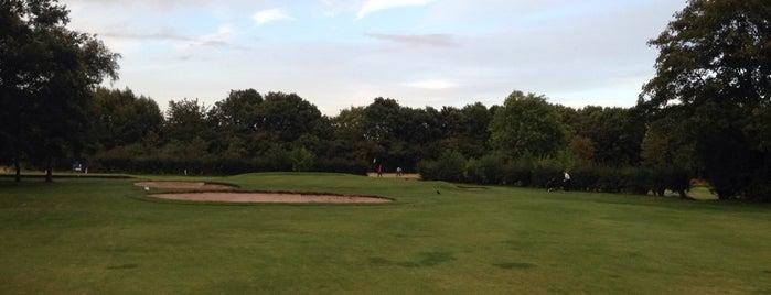 Poulton Park Golf Course is one of Posti che sono piaciuti a Christof 👨👩👧.