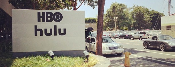 Hulu is one of Lieux qui ont plu à Angela.