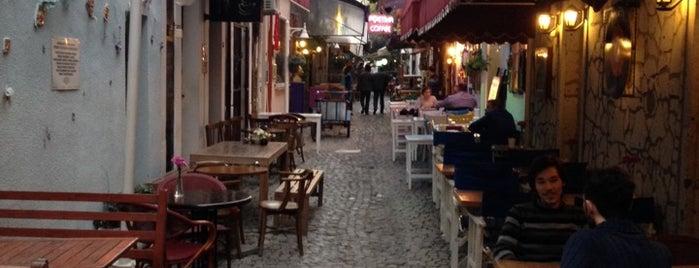 Can Yücel Sokağı is one of izmir.