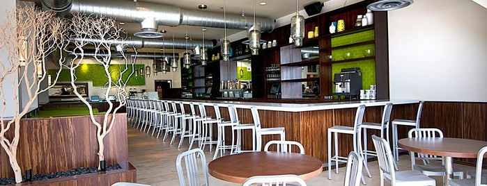 The Daily Kitchen & Bar is one of Tempat yang Disimpan Jonathan.