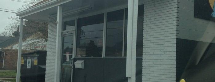 Harvey's Hot Dogs II is one of Hampton Roads Spots.